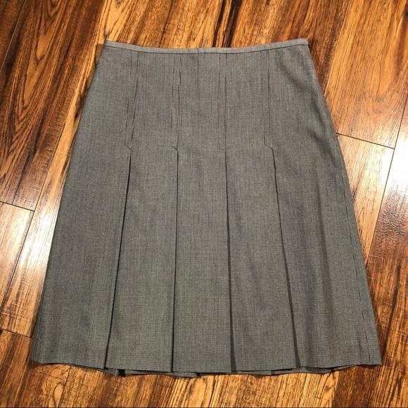 Rafaella Dresses & Skirts - Rafaella black white tiny houndstooth skirt 10